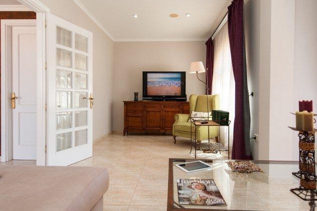 GC 164835-17 Wohnbereich mit TV