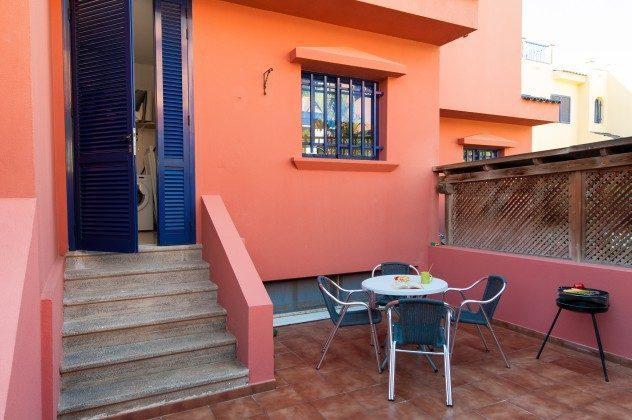 GC 164835-20 Patio/Innenhof hinter dem Haus