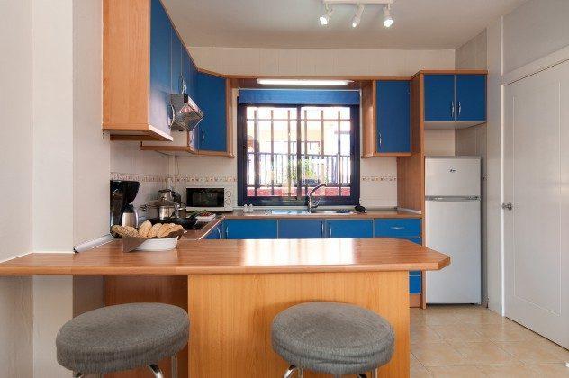 GC 164835-20 Esstheke und Küche