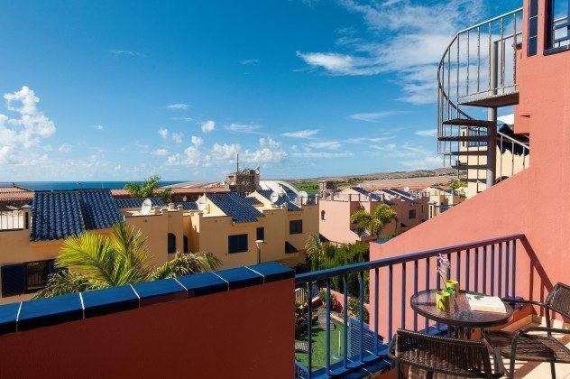 GC 164835-20 Ausblick vom Balkon zum Golfplatz von Meloneras