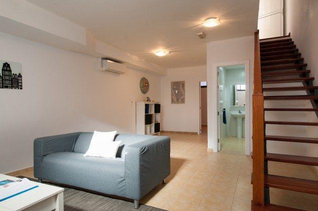 GC 164835-20 Wohn-/Schlafbereich im Untergeschoss und Treppe