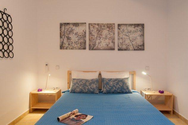 GC 164835-20 Schlafzimmer mit Doppelbett im Untergeschoss