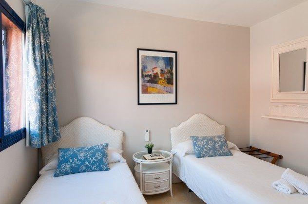GC 164835-20 Schlafzimmer mit Einzelbetten