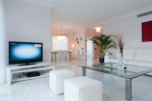 GC 164835-21 Wohnzimmer mit Flat-TV