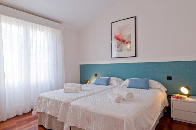 GC 164835-21 Schlafzimmer im Obergeschoss mit Einzelbetten