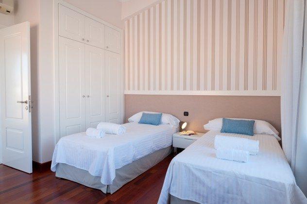 GC 164835-21 Schlafzimmer mit Einzelbetten