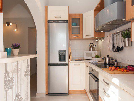 GC 164835-28 Küche mit großem Kühlschrank mit Gefrierteil