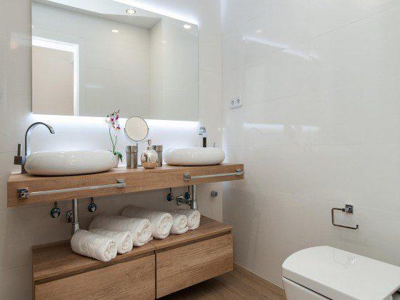 GC 164835-28 Badezimmer mit Doppelwaschtisch