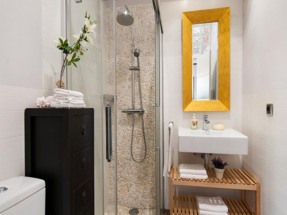GC 164835-29 Badezimmer mit Dusche