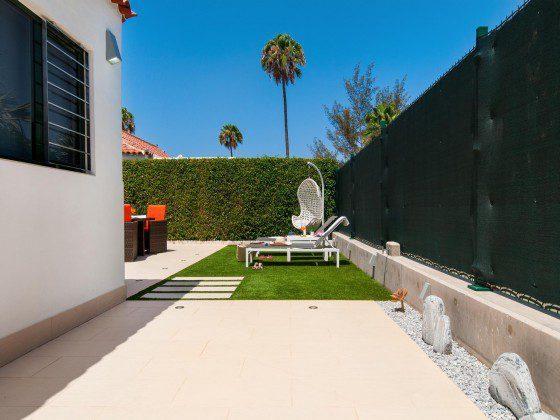GC 164835-29 seitliche Terrasse mit Strahlern