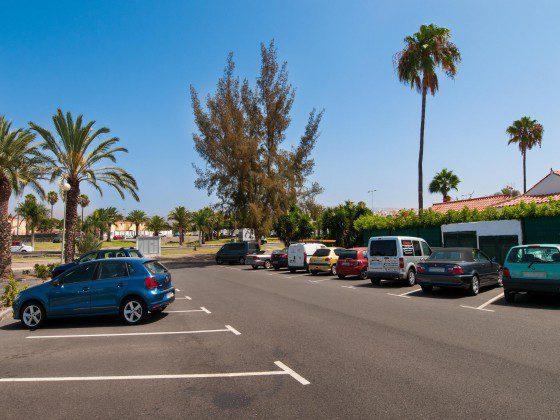 GC 164835-29 Parken an der Straße