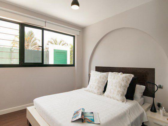 GC 164835-29 Schlafzimmer mit Doppelbett