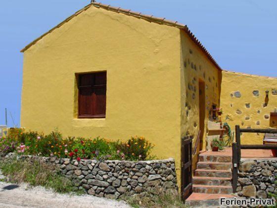 Außenansicht des Hauses und Terrasse