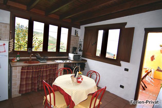 Küche mit schönem Ausblick