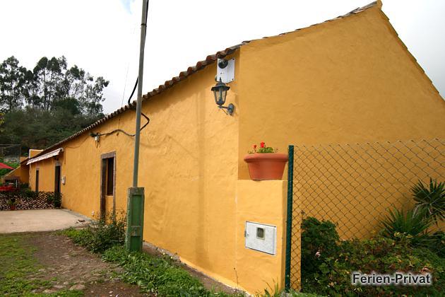 Außenansicht Haus und Eingang
