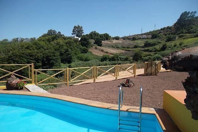 Pool und Zugangspforte