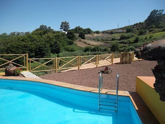Poolbereich mit Pforte