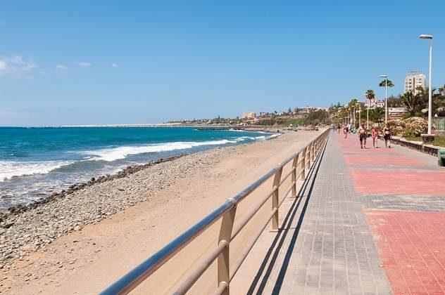 Promenade mit Blick zu den Sanddünen von Maspalomas