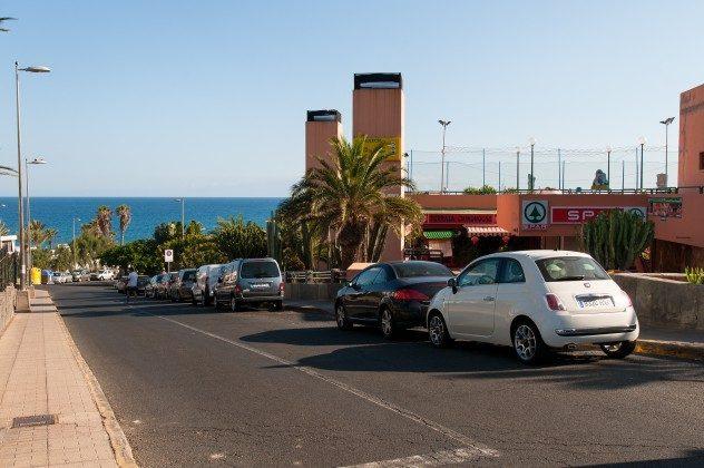 164835-18 Straße in Richtung Strand