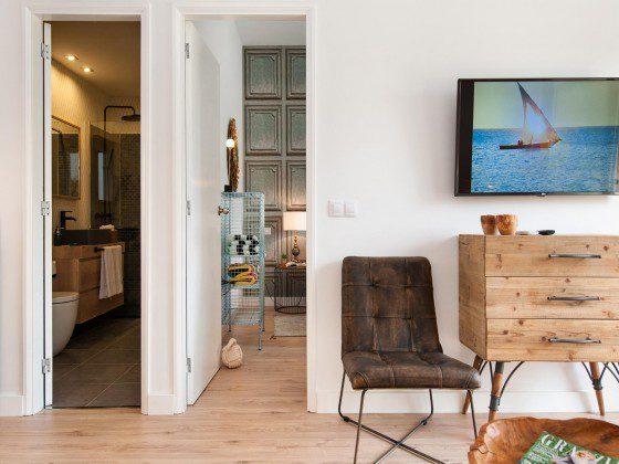 GC 164835-23 Wohnbereich mit SAT-TV