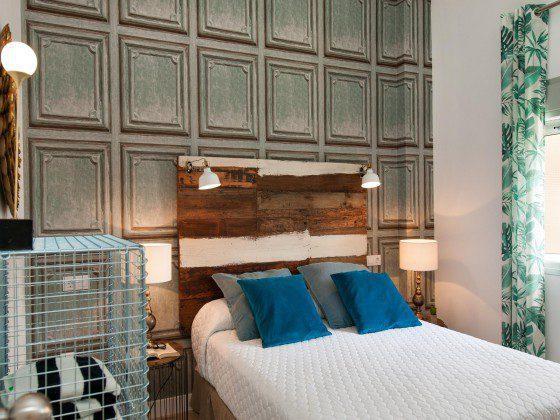 GC 164835-23 Schlafzimmer mit Doppelbett