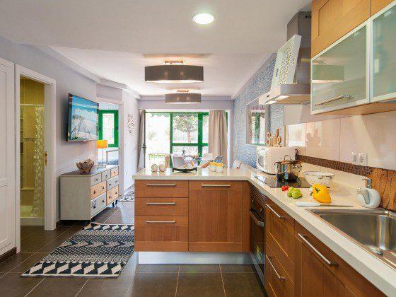 GC 164835-24 Wohn-/Essbereich und Küchenzeile
