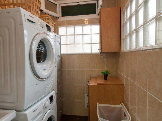 GC 164835-24 Waschmaschine und Wäschetrockner vorhanden