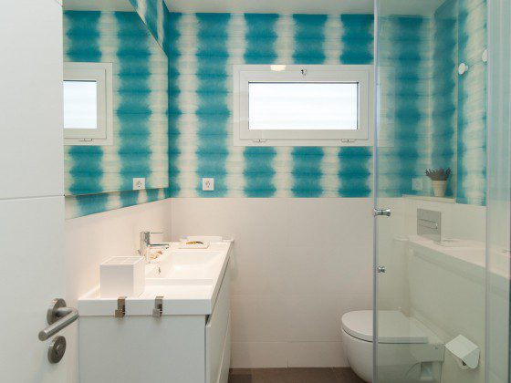 GC 164835-25 Badezimmer mit Dusche