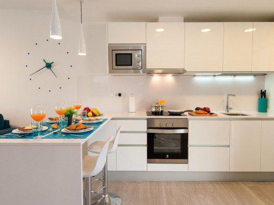 GC 164835-25 modern eingerichtete Küchenzeile mit Esstheke