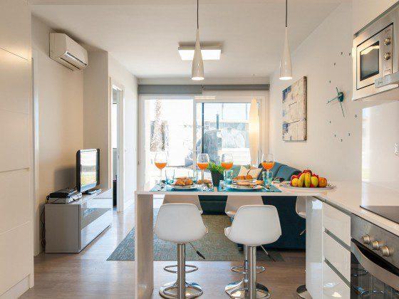 GC 164835-25 Küche offen zum Wohnbereich