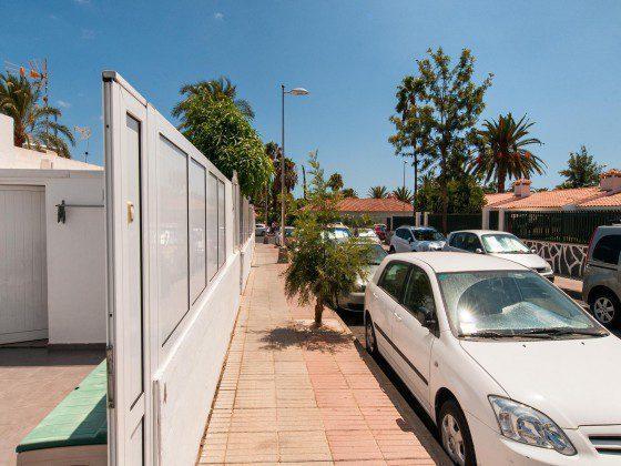 GC 164835-26 Parken an der Straße