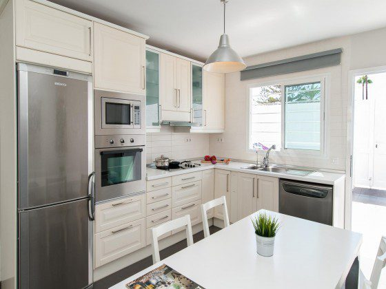 GC 164835-26 Küche mit Essplatz