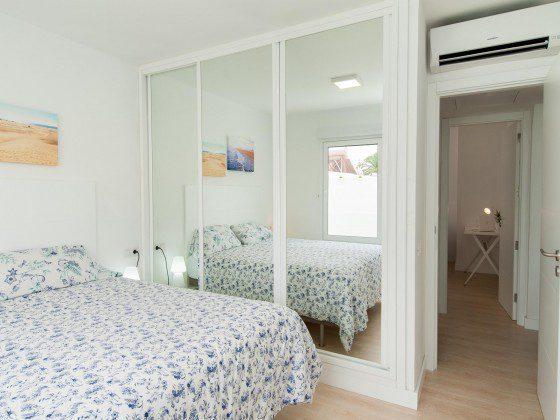 GC 164835-27 Schlafzimmer mit Doppelbett