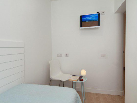 GC 164835-27 Einzelschlafzimmer mit TV
