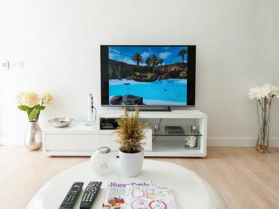 GC 164835-27 Wohnzimmer mit großem Flat-TV