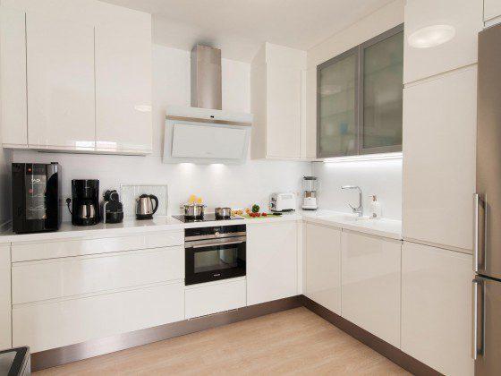 GC 164835-27 gut ausgestattete Küche