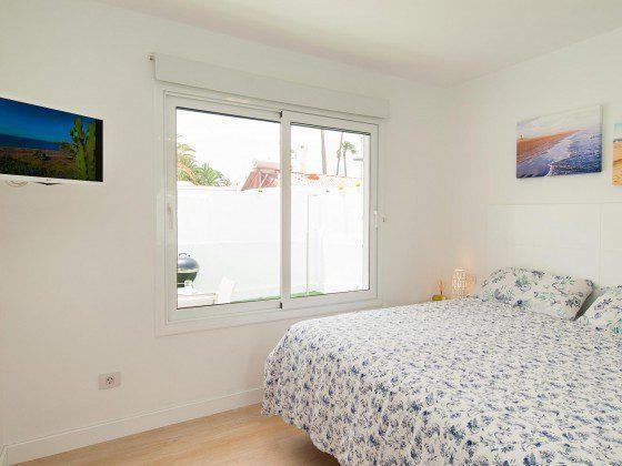 GC 164835-27 eines der Schlafzimmer mit TV