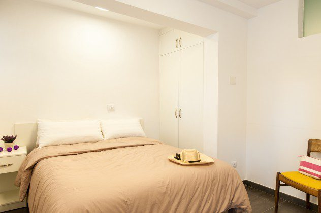 GC 164835-30 Schlafzimmer mit Doppelbett