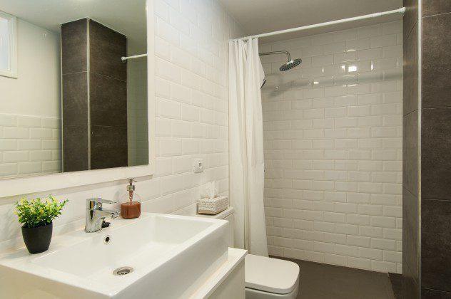 GC 164835-30 modernes Badezimmer