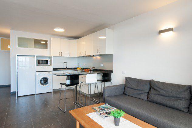 GC 164835-30 gut ausgestattete Küchenzeile offen zum Wohnbereich