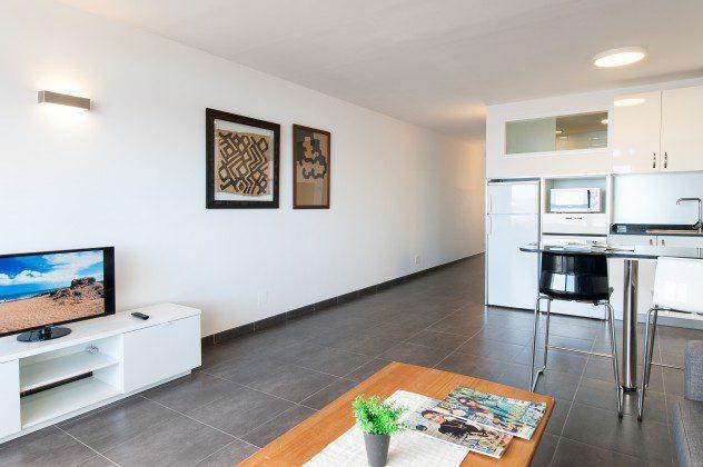 GC 164835-30 geräumiger Wohn-/Essbereich mit Küche