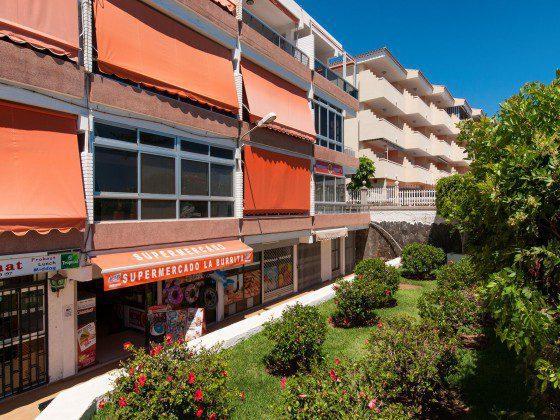 GC 164835-31 Apartmenthaus mit Gemeinschaftspool und kleinem Supermarkt im Untergeschoss
