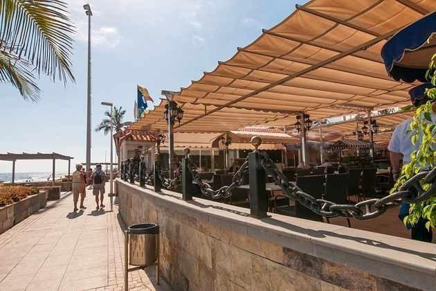 Viele Restaurants an der Strandpromenade in Gehweite