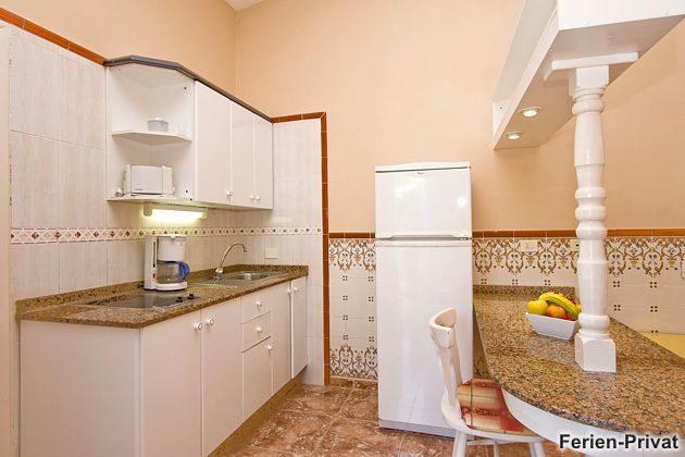 Wohnbeispiel Küchenzeile mit Esstheke