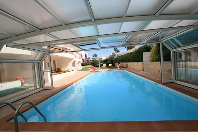 GC 47718 Schwimmhalle mit beheiztem Pool