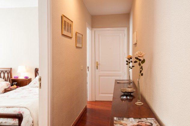 GC 164835-22 Eingangstür und Flur