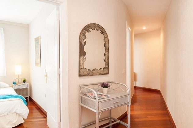 Flurbereich und Zugang Doppelschlafzimmer GC 164835-22