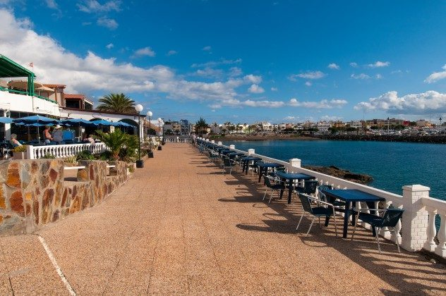 GC 164835-22 Promenade mit vielen Restaurants