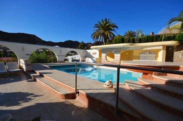 GC 172758-7 Außenbereich mit Pool