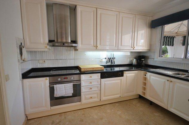 GC 172758-7 gut ausgestattete Küche